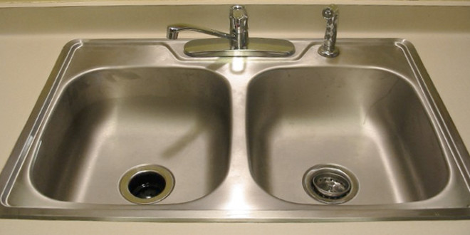 Clean Your Kitchen Sink - Groomed Home
