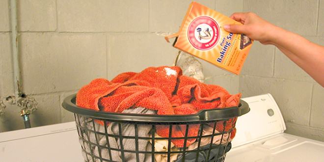 6 Ways To Use Baking Soda With Your Laundry